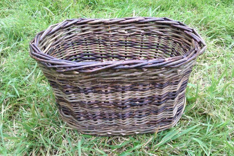 Willow medium oval basket