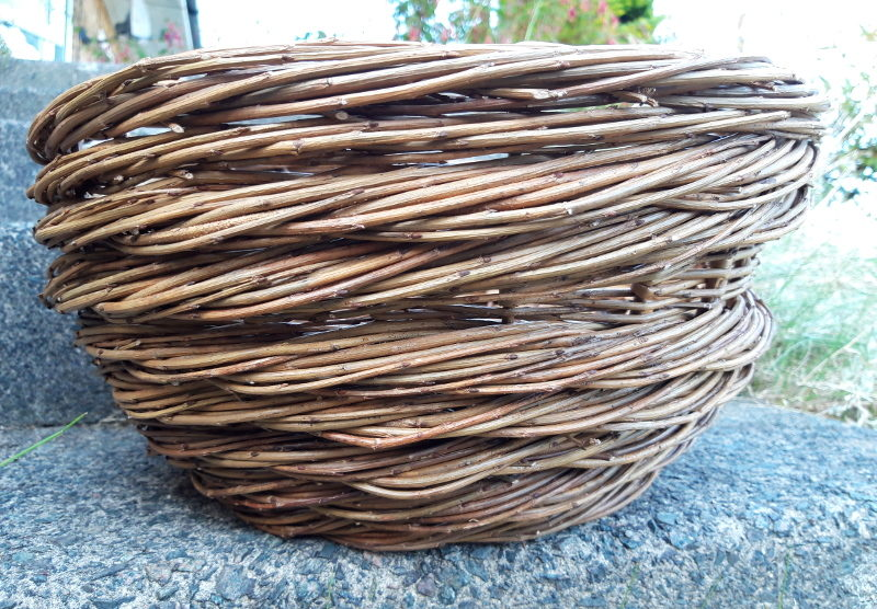 The side of the rope coil basket