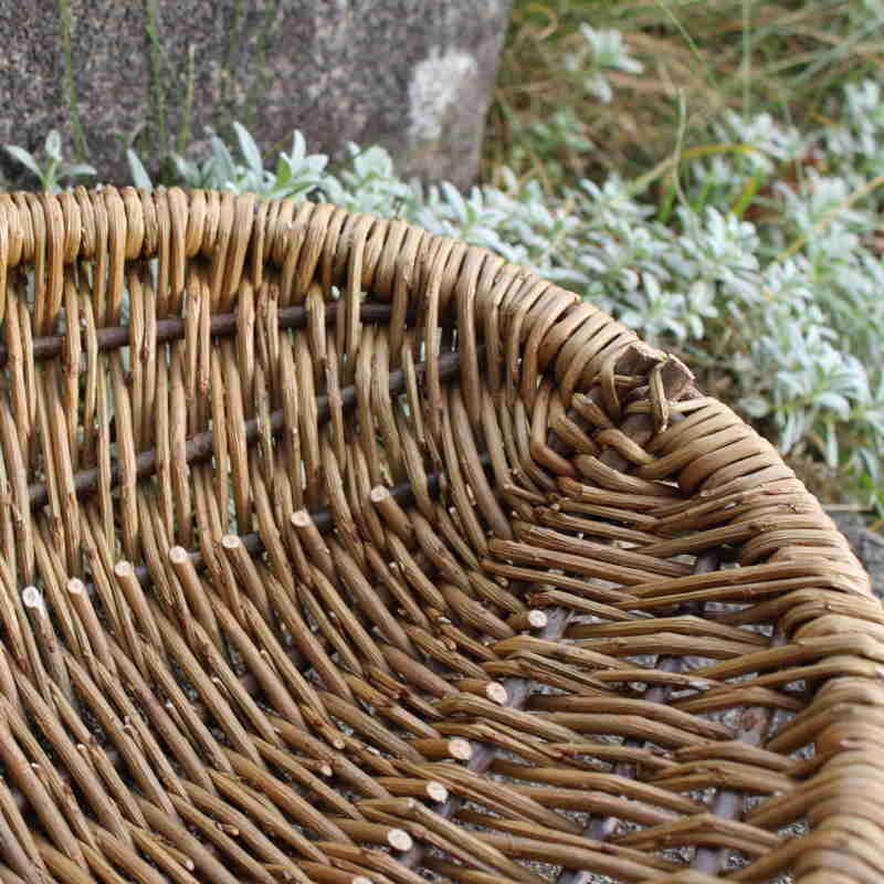 Oval Frame Basket close up